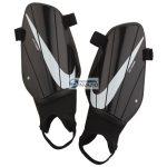 Nagolenniki Nike NK Charge GRD M SP2164 010 fekete